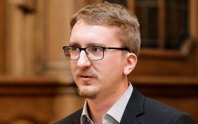 Professor Van den Broeck Receive National Science Foundation Award