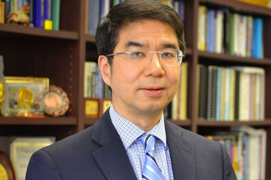 Jason Cong and Yuzheng Ding: TCFPGA Hall of Fame Paper